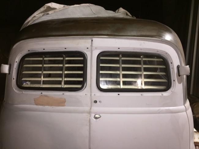 & 1949-1954 Suburban barn door (Chevy) rear venetian blinds