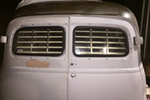 1949-1954 Suburban barn door (Chevy) rear venetian blinds